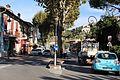 Вильнев-Лубе (Villeneuve-Loubet). Вид на пр. Либерте (Avenue de la Liberté) с пр. Либрасьон (Avenue de la Libération) - panoramio.jpg