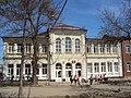 Здание бывшей женской гимназии; Георгиевск.jpg