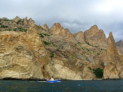 На човнi навколо стародавнього вулкану.jpg