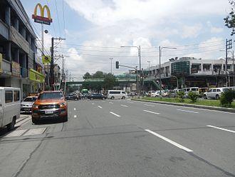 Quezon Avenue - Quezon Avenue, looking north towards the Banawe Avenue junction in Santa Mesa Heights