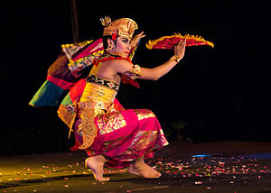 Kebyar duduk - A dancer completing his spinning movements.