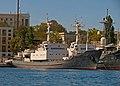 2012-09-14 Севастополь. Средний разведовательный корабль без вооружения Кильдин.jpg