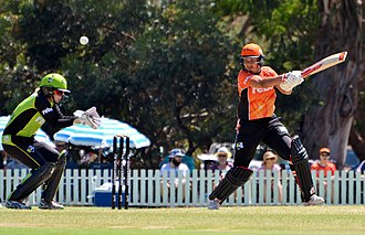 Women's Big Bash League - Suzie Bates batting for Perth Scorchers against Sydney Thunder at Lilac Hill Park, Perth, on 21 January 2017.  The wicketkeeper is Alex Blackwell.