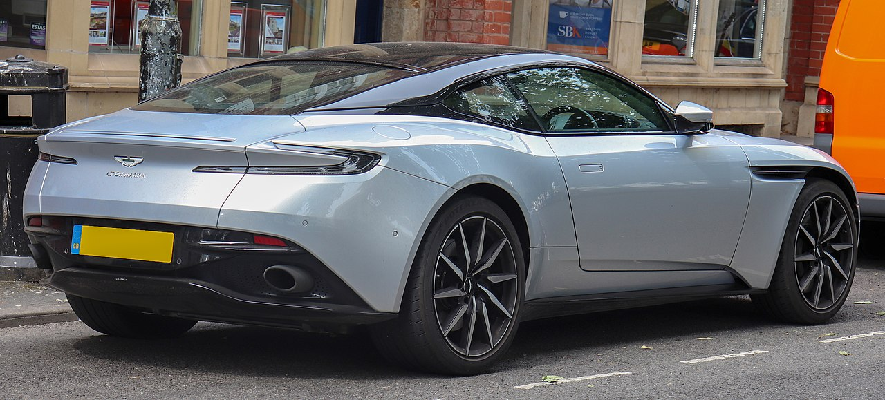 File 2018 Aston Martin Db11 V8 Automatic 4 0 Rear Jpg Wikimedia Commons