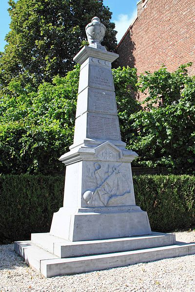 Monument aux Morts - Rue du Vinage, 59 Englos