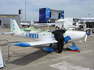 APM 30 Lion - Paris air show 2009.jpg