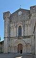 Abbaye Saint-Étienne Bassac èglise facade.jpg