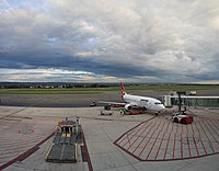 Adelaide airport Qantas flight.jpg