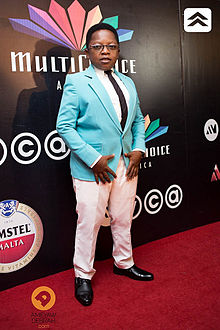 Ikedieze at an award show