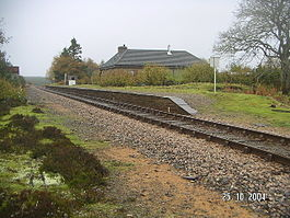 AltnabreacRailwayStation(DennisTroughton)Oct2004.jpg