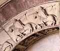 Ambito di wiligelmo, porta della pescheria, 02 ciclo di artù 04,3.jpg