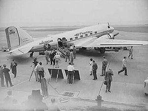 "DC-3 ""Flagship"", American's chief ai..."