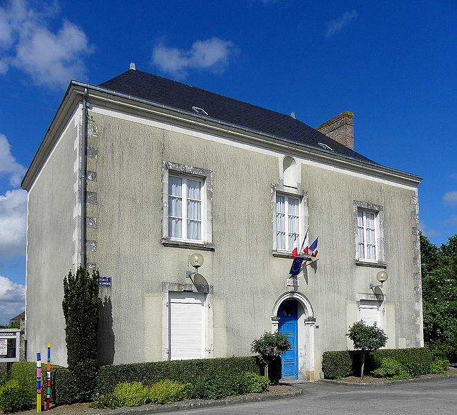 Mairie d'Ampoigné (53).