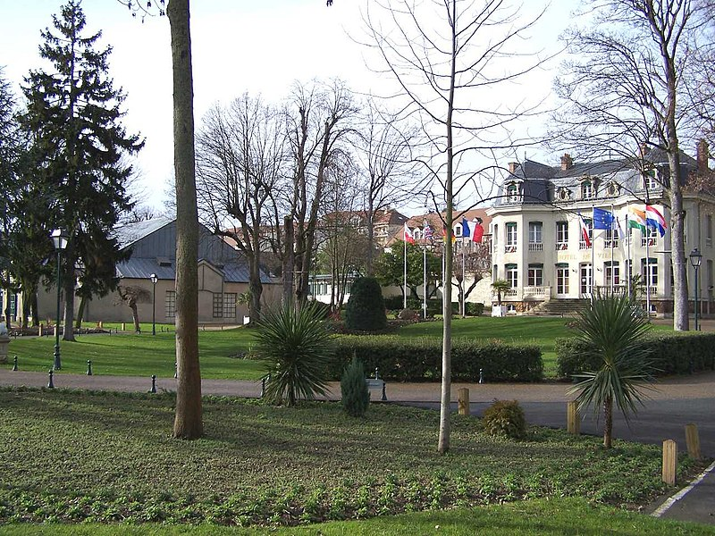 Park of the town hall in Andrésy (Yvelines, France)