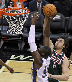 Andrew Bogut - Bogut blocks a shot by Hamady N'Diaye of the Washington Wizards in 2011