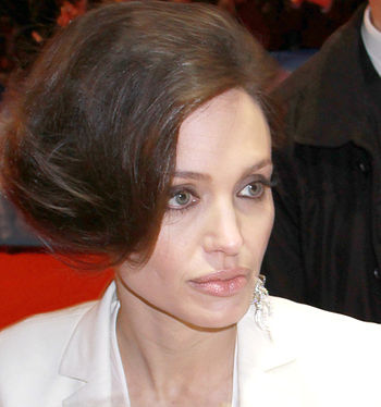 English: Actress Angelina Jolie in Berlin 2009.