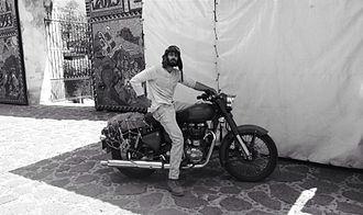 Angus Stone - Image: Angus on a bike