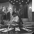 Annie Cordy repeteert in Cinetone studio . Annie Cordy tijdens de repetitie, Bestanddeelnr 913-0770.jpg