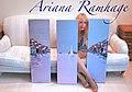 Ariana Ramhage med tavla.jpg