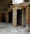 Arles (13) Thermes de Constantin 04.JPG