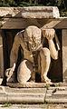 Atlante théâtre Dionysos Athènes Grèce.jpg