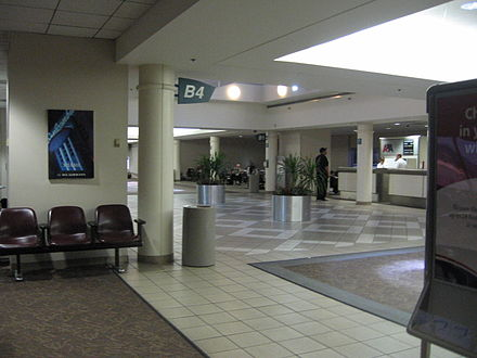 Interior view of the former Concourse B, which was demolished to make way for the new Concourses A and B BHM Concourse B IMG 0600.JPG
