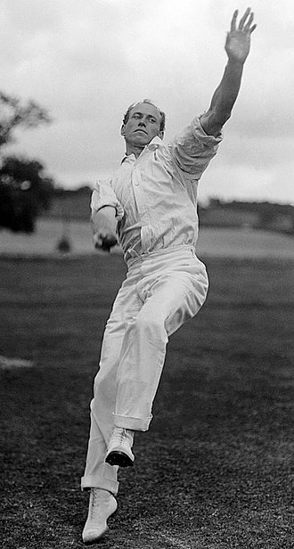 Swing bowling - Image: Bart King c 1908cr