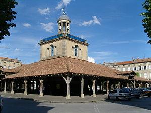 Revel, Haute-Garonne - Image: Beffroi halle revel 31250 france
