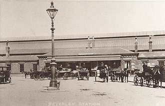 Beverley railway station - Image: Beverley Railway Station original canopy 1900 (archive ref DDX1525 1 10) (28634461652)