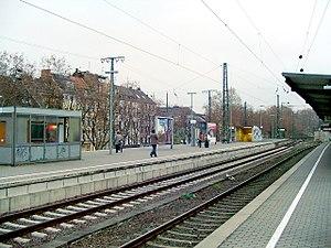 Köln Süd station - Platforms 3/4 (left) and 1/2 (right)
