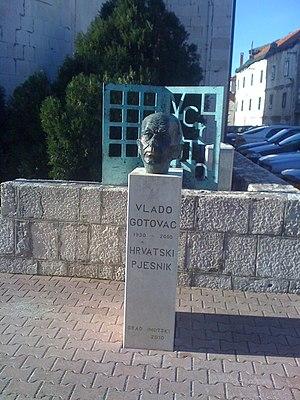Vlado Gotovac - Bust in Imotski