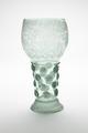 Blåst grönt glas med graverade vinrankor, från omkring 1600-talets mitt - Skoklosters slott - 93440.tif