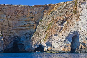 Blue Grotto (Malta) - A tourist boat at the Blue Grotto.
