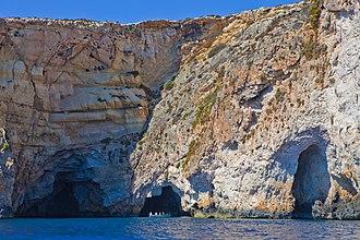 Blue Grotto (Malta) - A tourist boat at the Blue Grotto.