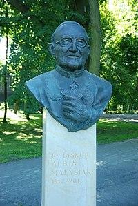 Bp Albin Małysiak pomnik Park Jordana Krakow.jpg