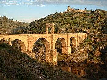 El puente de Alcántara sobre el Río Tajo