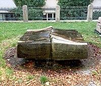 Brunnen Luisenstr9 München.jpg