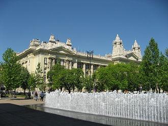 Liberty Square (Budapest) - Image: Budapešť 0892