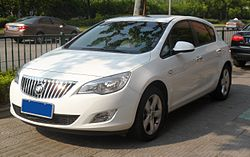Buick Excelle XT 01 China 2012-05-06.JPG