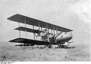 Witteman-Lewis XNBL-1 - Image: Bundesarchiv Bild 102 12879, Gross Bomben Schlepper