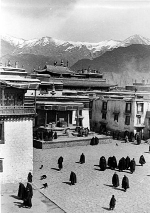The last fighting of the uprising took place at the Jokhang, here pictured in 1938