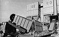 Bundesarchiv Bild 183-1982-1005-003, Schwerin, 1 000 Tonnen Glasbruch.jpg