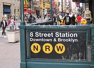 Eighth Street–New York University (BMT Broadway Line) - Station entrance