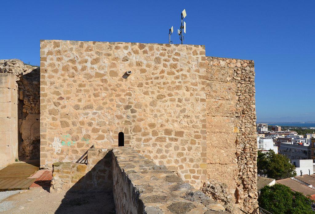 Castell de Guardamar del Segura, baluard de la pólvora o torre de l'homenatge.JPG