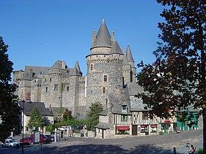 Vitré, Ille-et-Vilaine - Château de Vitré, Place St-Yves