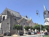 Châtillon-Coligny - Eglise et porte de ville -2.jpg