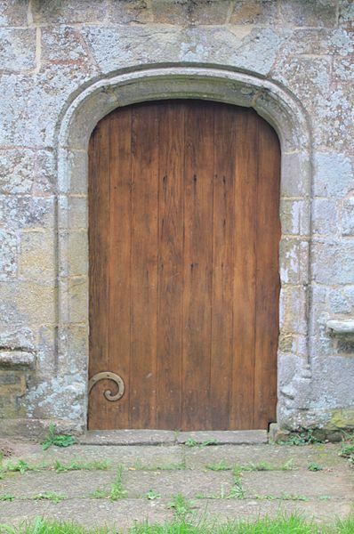 Chapelle Notre-Dame-de-Vérité (Caudan): détail porte principale (nord)