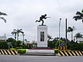 Charge Soldier statue at Longgang Roundabout 20050525.jpg