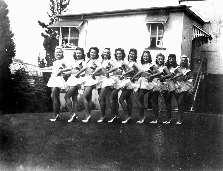 File:Chorus line the Soubrettes at the Cremorne Theatre, South Brisbane ca 1944 (7946599326).jpg
