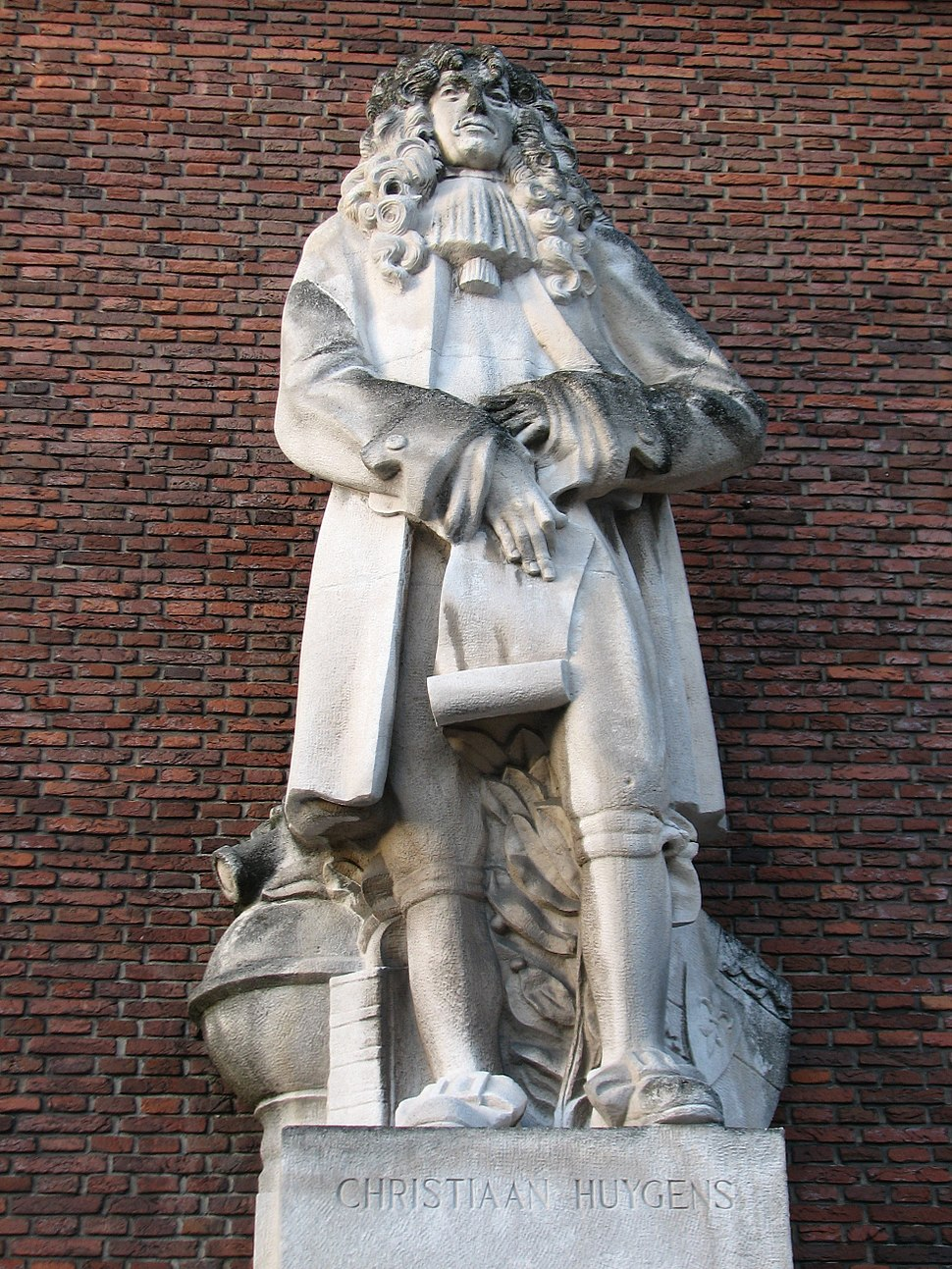 Christiaan Huygens Statue Rotterdam